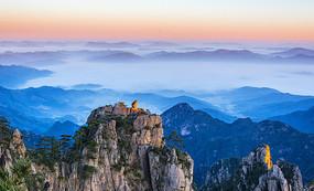猴子观海大气自然风景图