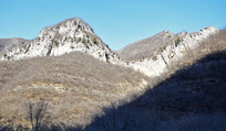 石头山峰摄影图