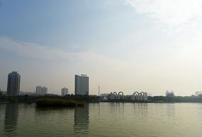 远眺龙源湖广场