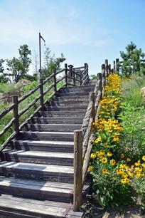 登山木台阶图片