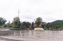 梯青塔湿地公园里的民俗雕像