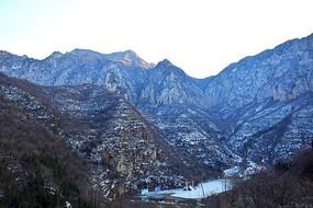 雪后的大山风景图
