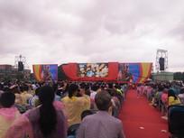 观众很多的演唱会现场