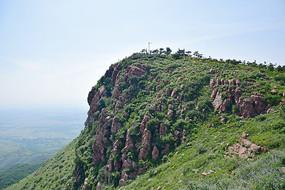 绿色的山峰