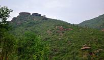 山岭上的观景平台