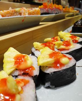 菠萝海苔卷寿司