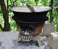 铁制柴火炉灶图片