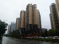 下雨天的清镇城区