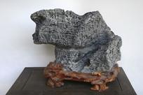 悬崖形奇石