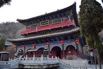 高大的庙堂古建筑
