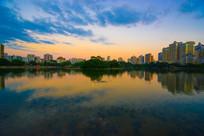 南湖的夕阳景色