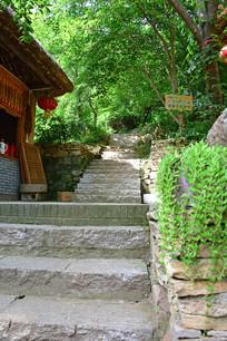 农家院的石头台阶