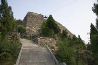 台阶尽头的山寨
