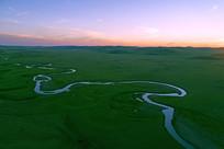 草原暮色之河