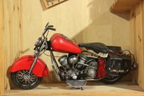 红色铁艺摩托车