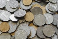 成堆的硬币局部特写