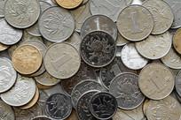 成群的人民币硬币特写