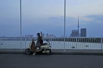 南阳市白河大桥上的风景