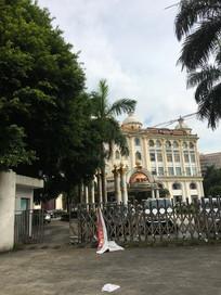 欧式酒店周边环境