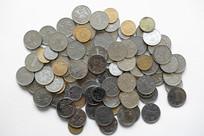 一堆人民币硬币