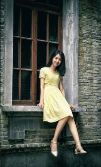 窗边的美女