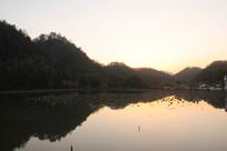 黄昏时的安徽西递宏村湖泊
