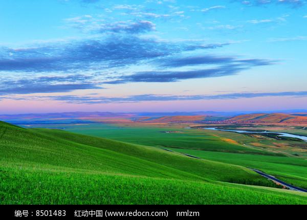 绿色牧场风景图片
