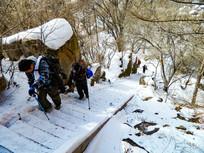 雪中登崂山