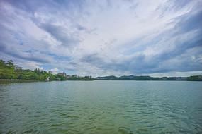 多云的惠州西湖景观