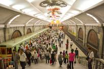 朝鲜平壤地铁复兴站月台