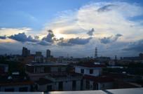 俯拍城市日落风景图片