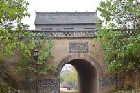 古旧的寨门洞
