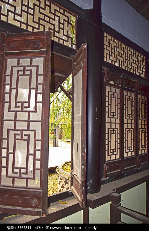 木质窗户图片图片