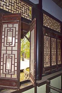 木质窗户图片