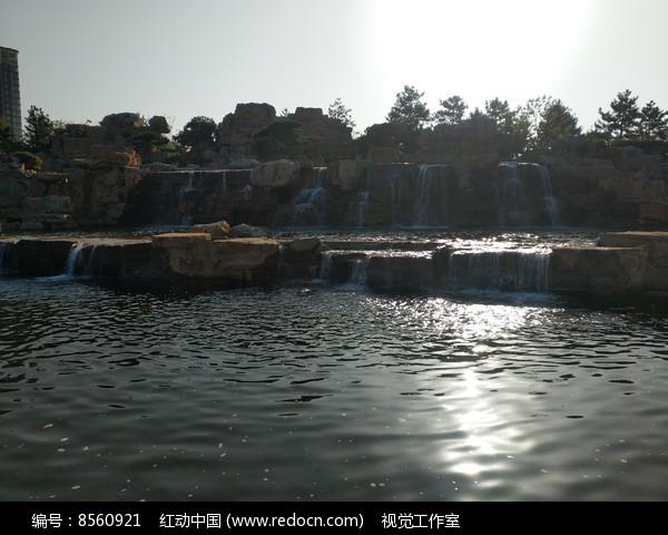 园林瀑布摄影图片