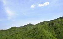 翠绿的嵩阴山岭景观