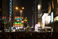 人山人海的香港夜景