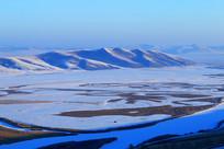 山地雪野晨光