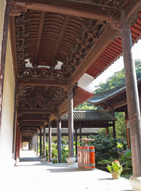 古建筑的长廊