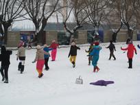 雪后广场舞