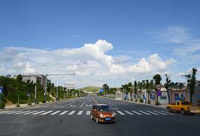清镇城北新区宽阔的道路