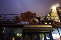 夜晚的咖啡屋