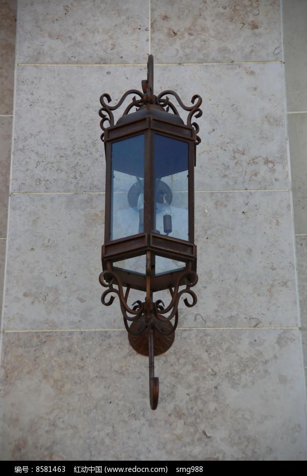 原创摄影图 生活百科 家用电器 铁艺玻璃壁灯