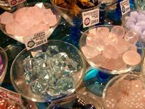 透明的水晶石头工艺品