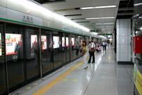深圳地铁大剧院站月台