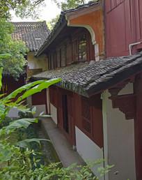 双层的土木古建筑