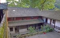 幽静的寺院建筑院落