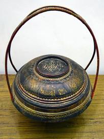 古代的木雕糕点盒