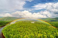 林海河流彩虹