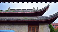 屋檐高挑的孔庙